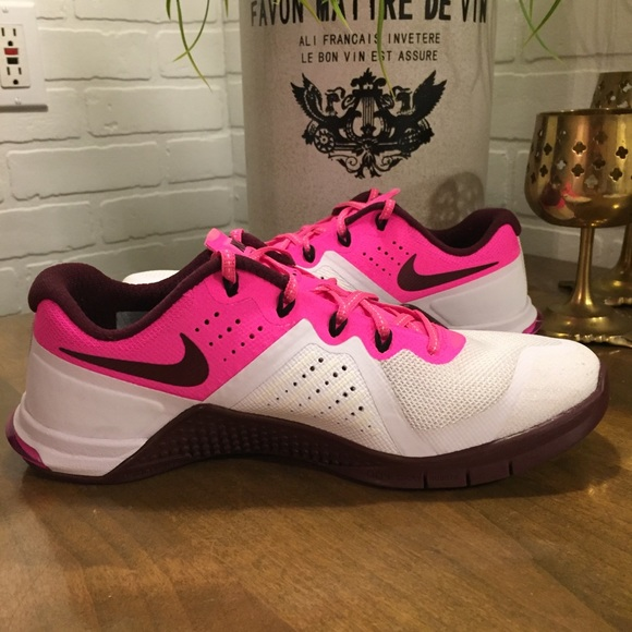 Nike Shoes - Women s Nike MetCon 2 White Pink Flywire fb5add5f1e